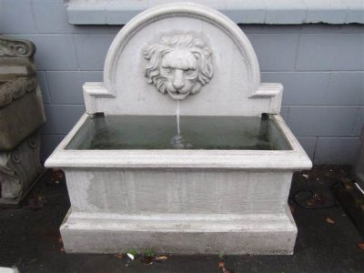 Lion Trough Water Feature